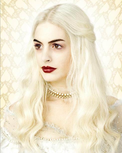 《爱丽丝》公布定妆照海瑟薇变白发魔女(图)