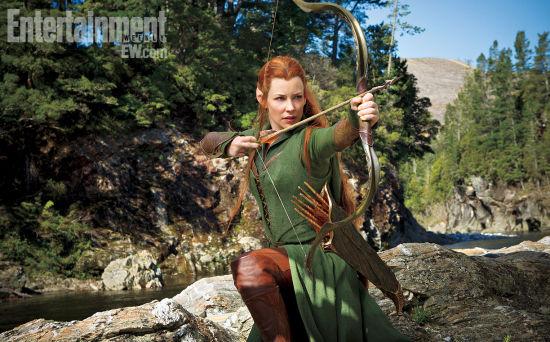 饰演的精灵女战士塔瑞尔(tauriel)展露清晰真容,一头标志性的黄色长发图片