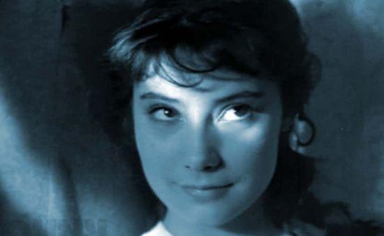 雁原唱女中�_《安娜-卡列尼娜》女主角萨莫依洛娃去世