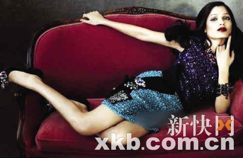 组图:《贫民富翁》女星蹿红连登4本杂志封面