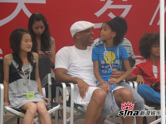组图:《功夫梦》北京开机威尔史密斯一家温馨