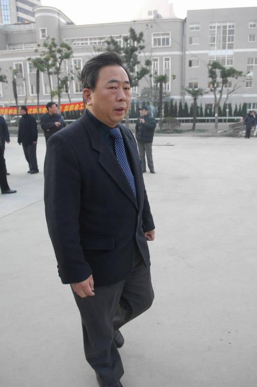 图文:孙道临遗体告别仪式上海文广局长穆端正