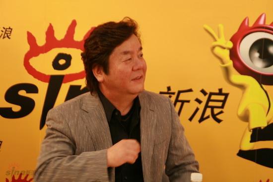 图文:《龙之战》导演沈炯来做客新浪--导演沈炯来侃侃而谈