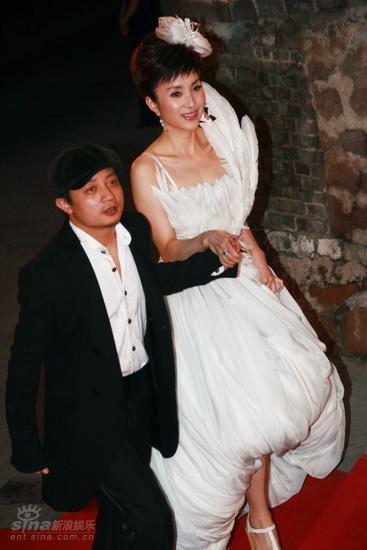 图文:龙的传人颁奖典礼红毯--熊汝霖与汤灿