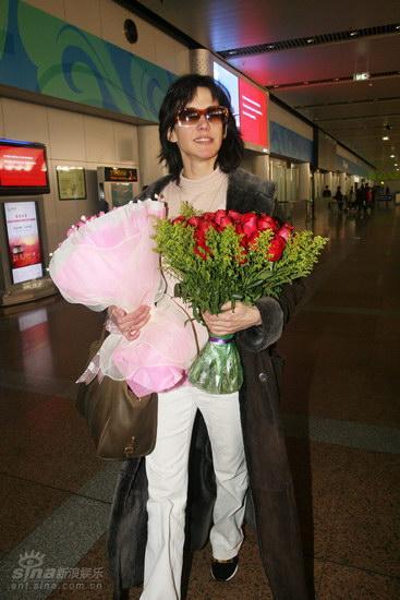 图文:苏菲-玛索现身北京--苏菲玛索现身机场