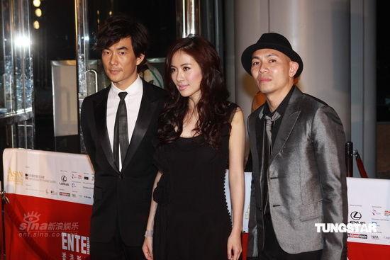 图文:亚洲电影大奖红毯--《神枪手》剧组