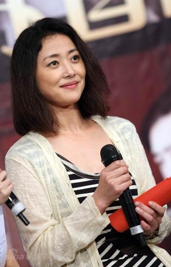 图文:《邓稼先》首映--刘蓓端庄大方