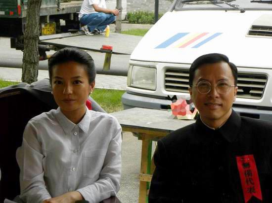 图文:甄子丹《建国大业》-女记者与田汉合照图片