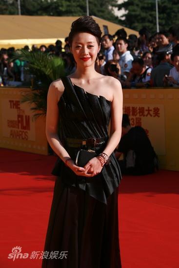 图文:第13届华表奖红毯-范志博黑色晚装