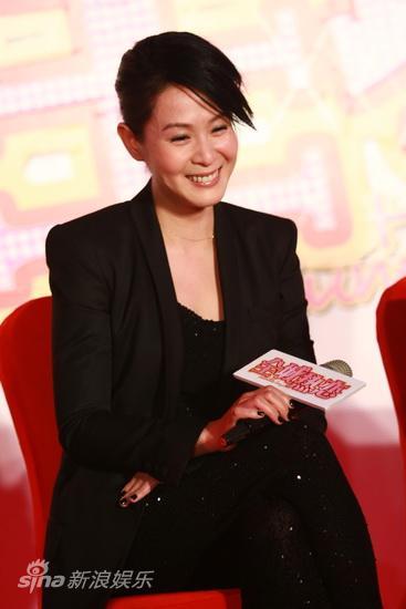 图文:《全城热恋》首映--刘若英低头偷笑