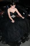 组图:闵孝琳黑色晚装显华贵胸前春光抢镜