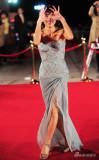 组图:全度妍淡蓝低胸纱质长裙亮相闭幕红毯