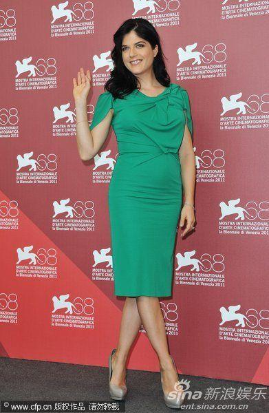 塞尔玛-布莱尔着绿裙