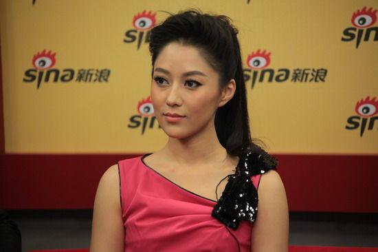 图文:《杨门女将》主创做客-赵芊羽青春靓丽