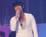 人气歌手杨宗纬献唱
