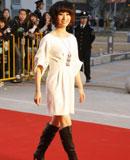 尚雯婕白色连体裙