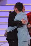 哥儿们式的拥抱