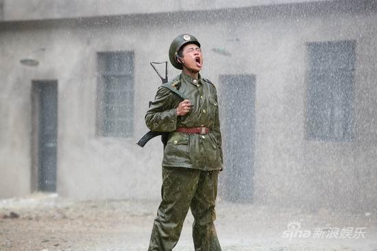 《兵峰》央八热播看边防官兵的滚烫来信