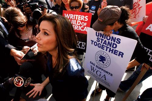 美国编剧协会罢工:创造力和权力的对决(附图)