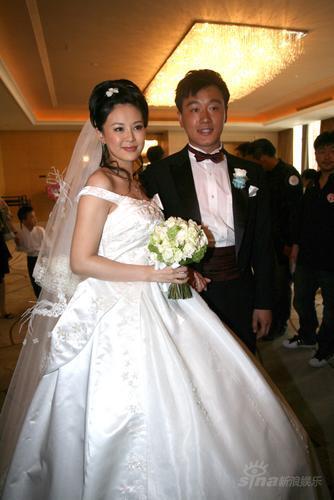 """婚礼花絮:关悦幸福新娘坚定回答""""愿意"""""""
