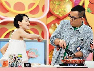 陈小春被小S逼供称想跟应采儿结婚生子(附图)