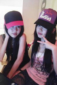 """刘德华""""双胞胎女儿""""原是新加坡组合BY2(图)"""