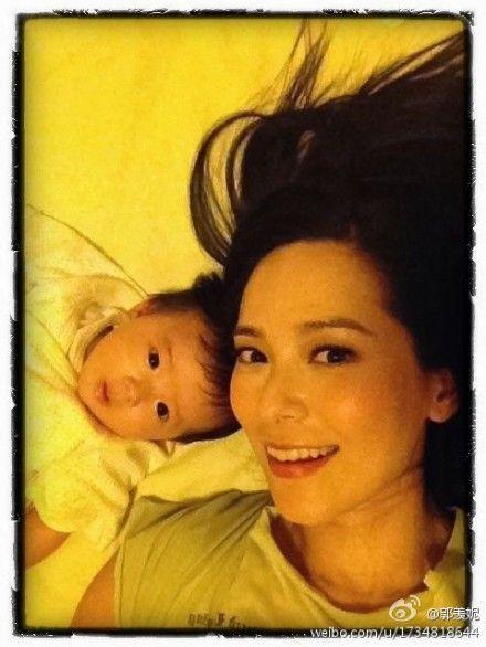 郭羡妮与女儿