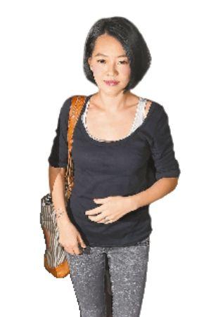 小S日前离开台北地检署时泪光闪闪,不过就有人质疑她是在用眼泪求同情。