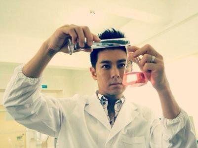 日前,方舟子发文直指林志颖旗下爱碧丽生物科技有限公司推销假保健品。