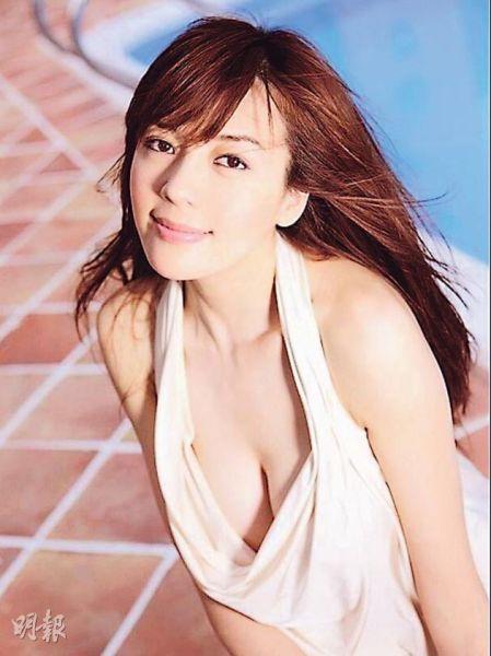 模特儿出身的周韦彤在女神榜排行第2。