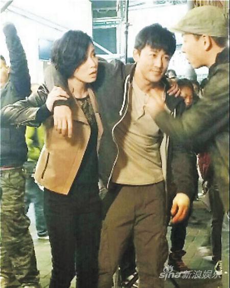 剧情讲述林峰受伤,梁烈唯以自己住得远为由,要求佘诗曼照顾林峰。