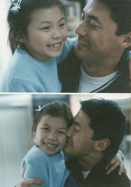 香港帅气混血男星王敏德(Michael,图右)女儿王曼喜Kayla出柜,他赞爱女勇敢。