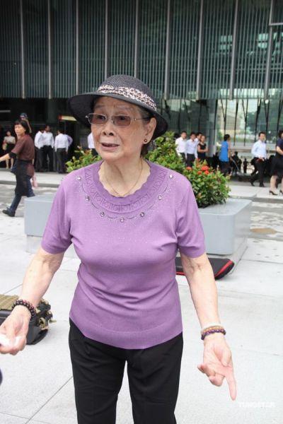 梅艳芳母亲向记者诉苦