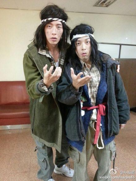 朴海镇(左)变犀利哥