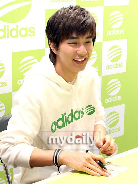 俞承浩笑容可爱