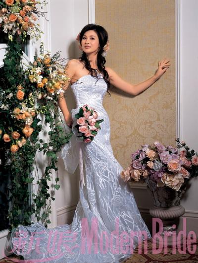童蕾拍奢华高贵新娘封面妙曼身姿绽放魅力(图)