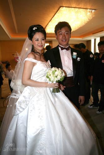 佟大为老婆成为焦点人物被曝是关之琳堂妹(图)