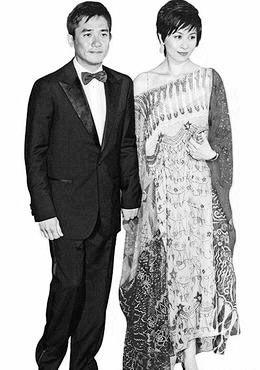 独家消息:刘嘉玲17时15分赴泰国筹备婚礼