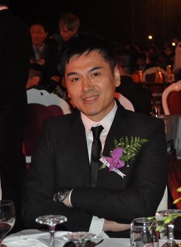 淳于珊珊获80年代影响时代实力人物奖(图)