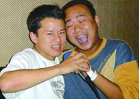 张杰与苟伟(右)