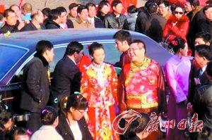 车晓和李兆会当年结婚的场景热闹异常