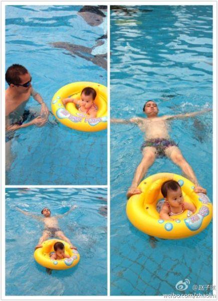 路金波与女儿温馨游泳照