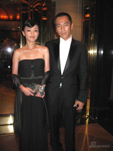 周迅与李大齐携手出席新加坡总统晚宴(组图)