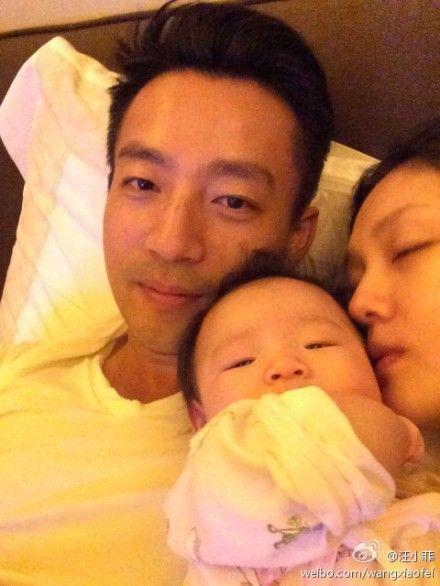 汪小菲、大S和女儿的温馨瞬间