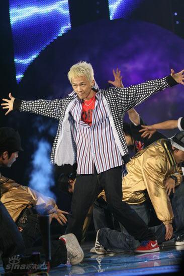 图文:bq红人榜颁奖盛况--南贤俊激情热舞