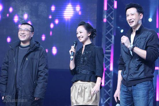图文:黄圣依做客名师--康洪雷罗海琼张国强