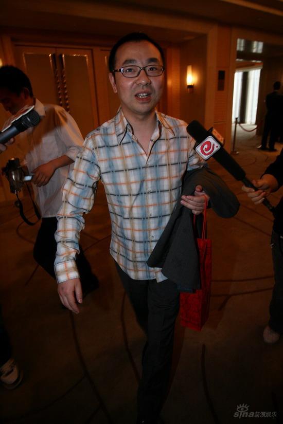 图文:佟大为关悦北京大婚--刘仪伟出席婚宴