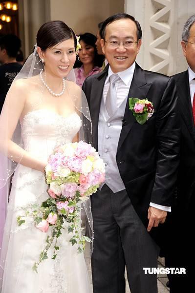 图文:罗慧娟出嫁--罗慧娟幸福出嫁