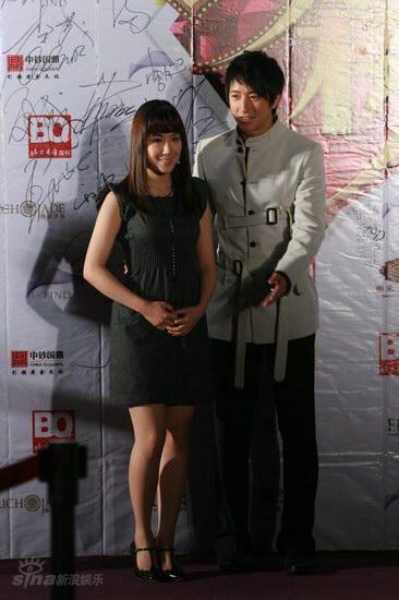 图文:BQ红人榜红毯--韩庚绅士风度