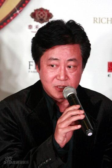 图文:2008BQ红人榜--赵宝刚发言